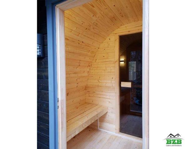 Sauna trailer interior changing room